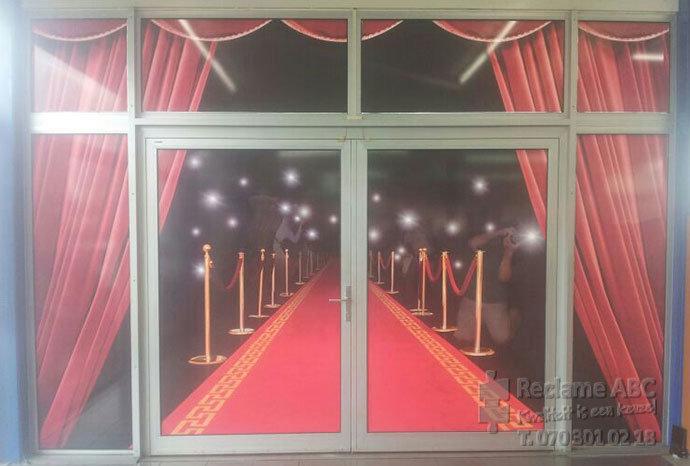 Reclame ABC groot formaat printen Rode lopers op grote ramen