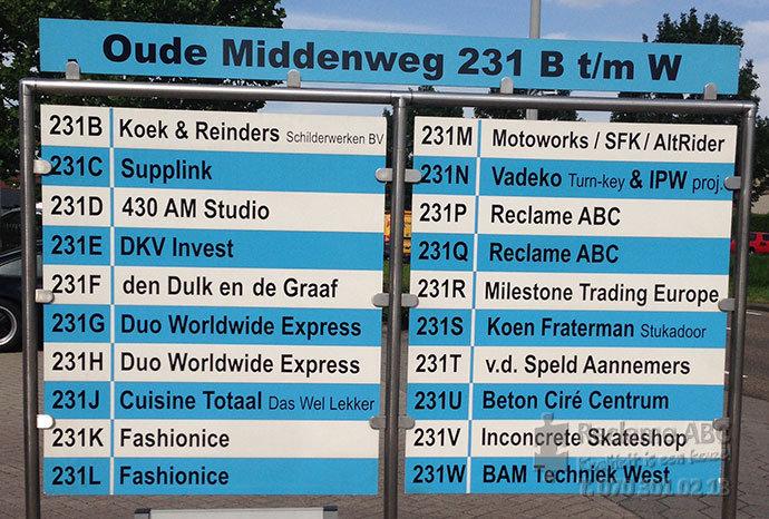 Reclame ABC reclameborden Oude middenweg 231 B t/m W